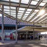 am Hauptbahnhof (Petra))